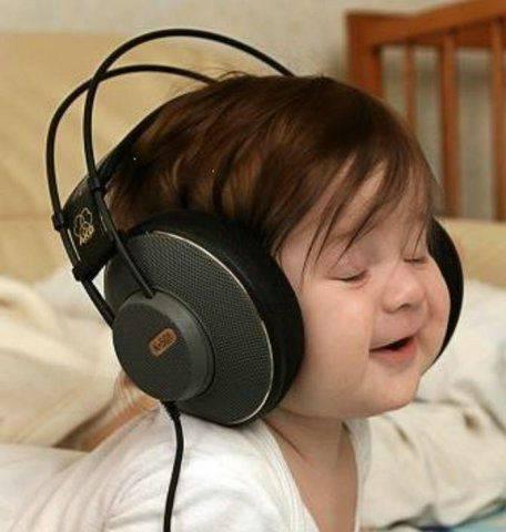 babylisteningwithheadphones.jpg